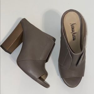 Neiman Marcus Evie Grey Leather Mules, size 6.5